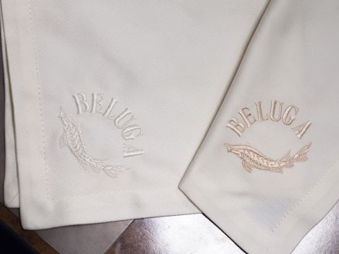 Салфетки для ресторана с вышивкой
