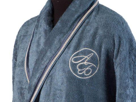 VIP-вышивка на халате
